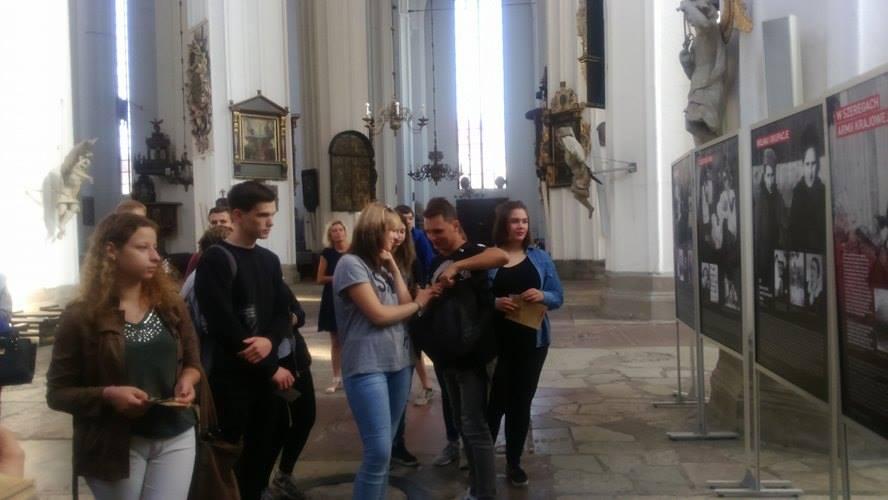 """Wystawa """"Niezłomna, wyklęta, przywrócona pamięci. Danuta Siedzikówna """"Inka"""" 1928–1946″"""